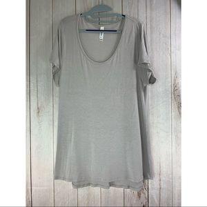 LULAROE Light Gray Short Sleeve T Shirt size Xl